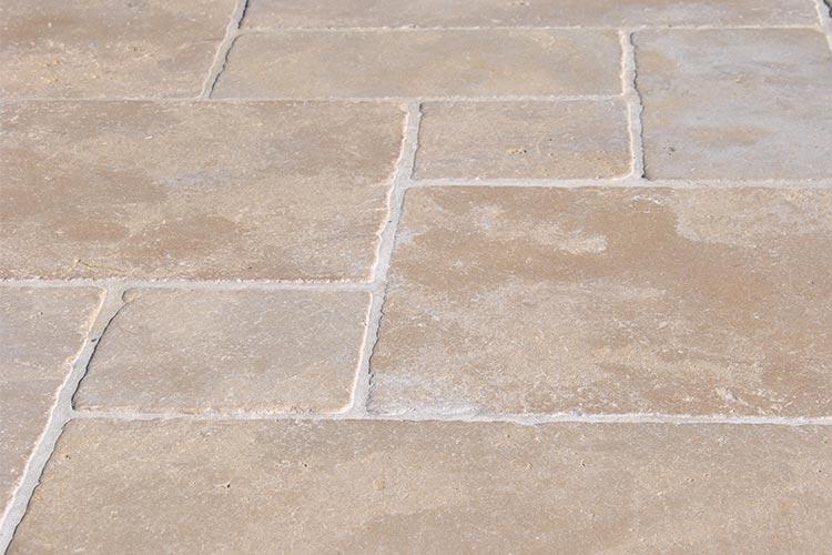 Dallage-montfort-rhone-pierres
